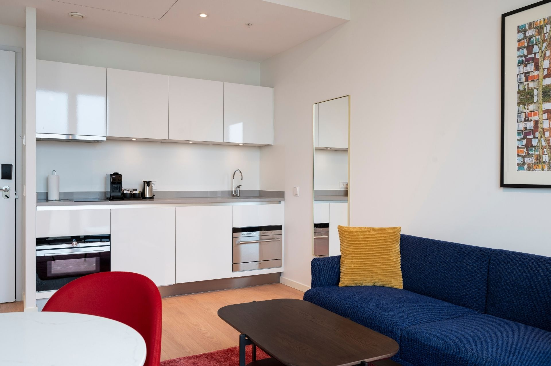 PREMIER SUITES PLUS Amsterdam One Bed Kitchen