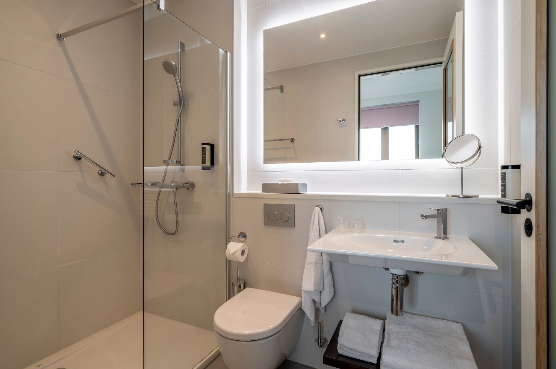 PREMIER SUITES PLUS Amsterdam One Bed Apartment Bathroom